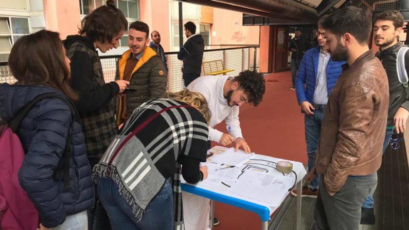 Riattivare il servizio navetta per l'Unical, petizione firmata da quattromila studenti