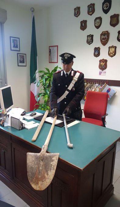 I corpi contundenti sequestrati dai Carabinieri di Gattatico