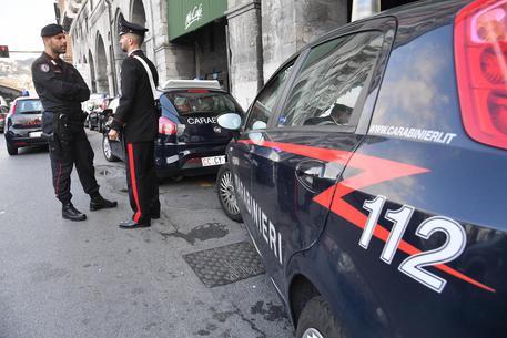 Agguato a Napoli, pregiudicato ucciso nei quartieri spagnoli