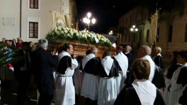 Grande commozione ai funerali di don Ignazio Schinellaofficiati dal vescovo Renzo nella cattedrale di Mileto