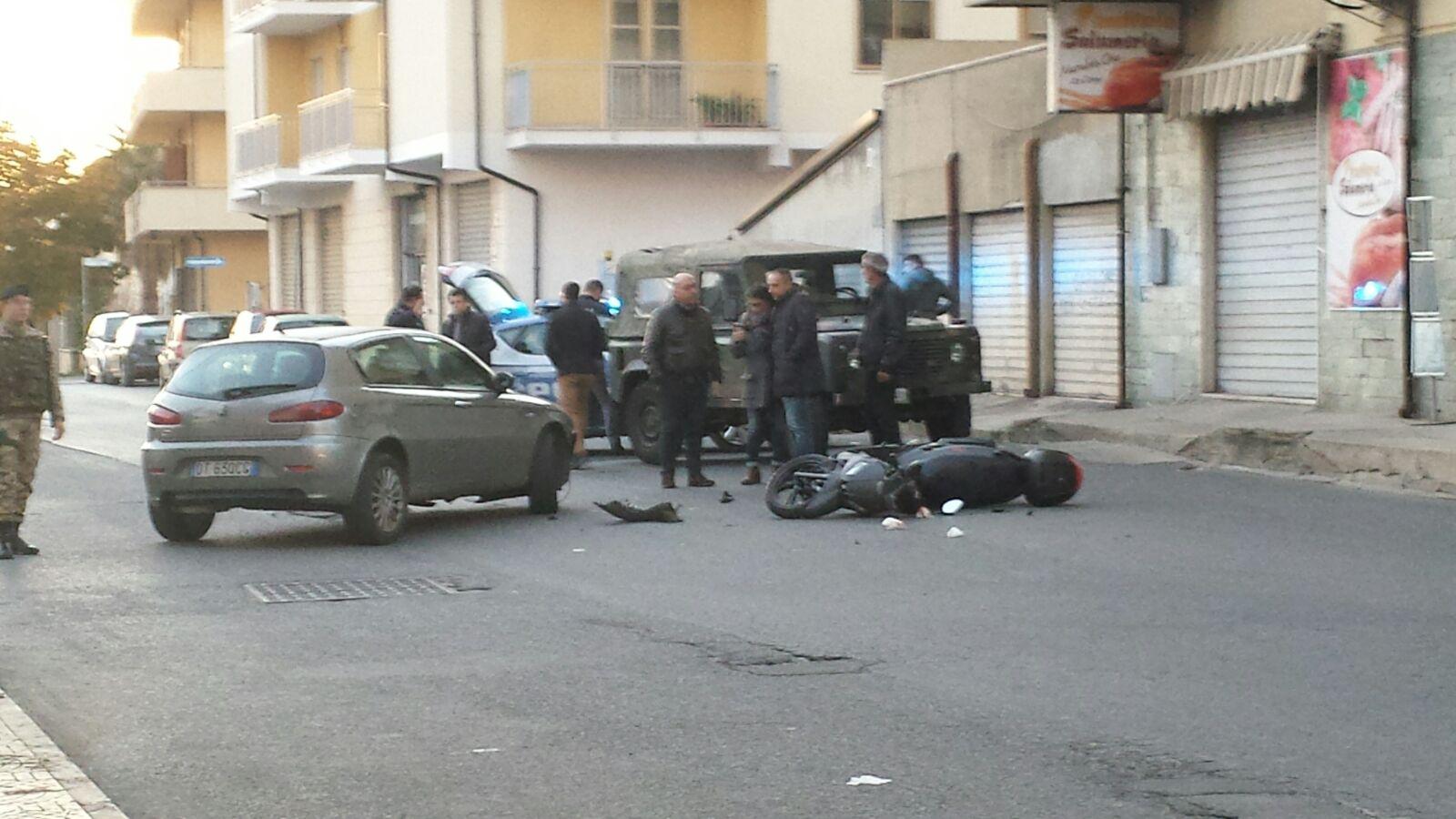 Incidente in pieno centro a Vibo Valentia, gravi due ragazze che viaggiavano su uno scooter