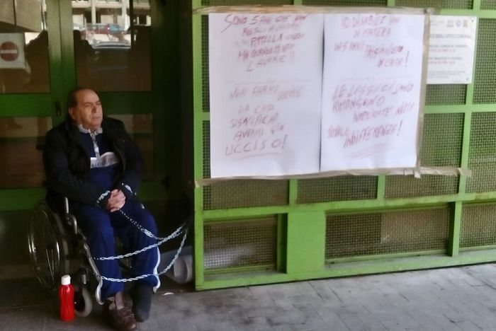 Storia di Marzio, disabile diffidato dal Comune di Matera: entro un mese deve lasciare la casa