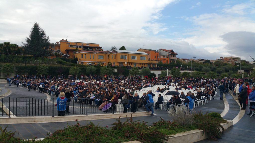 FOTO - Le immagini della celebrazione a Paravati di Miletoper l'ottavo anniversario della morte di Natuzza Evolo