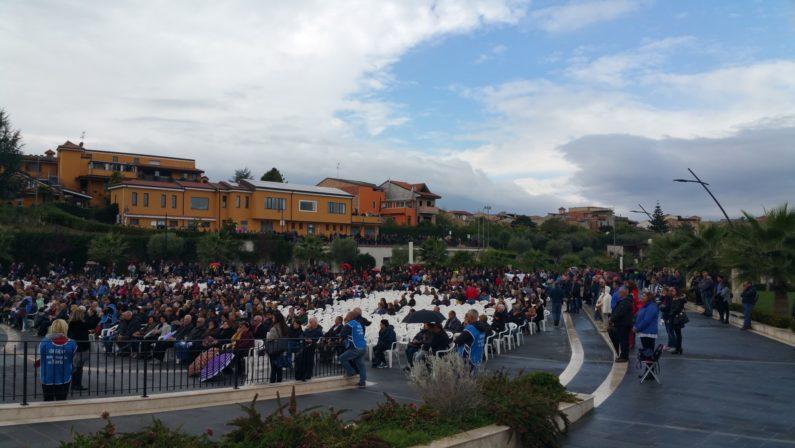 Il vescovo Renzo smentisce la Fondazione di Natuzza«Il raduno di maggio dei Cenacoli di preghiera si terrà»