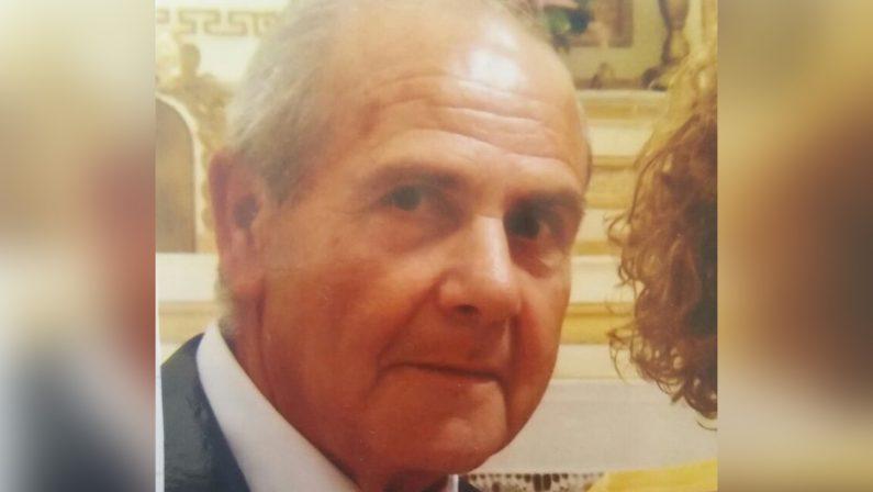 Perde il controllo dell'auto e finisce in un burroneTragico incidente stradale nel Vibonese: un morto