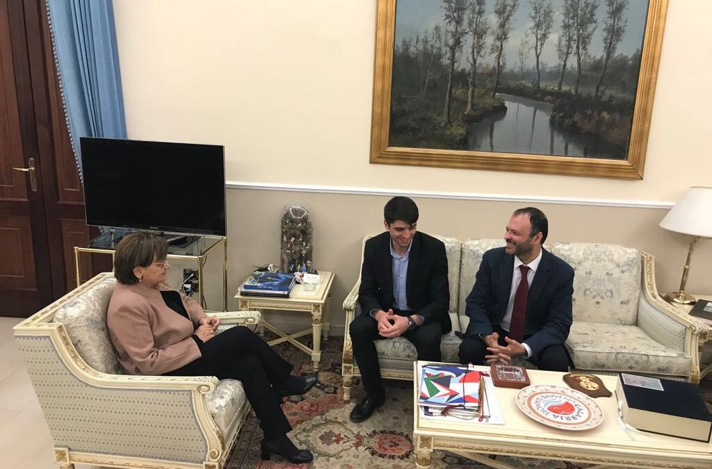 L'incontro tra la delegazione rumena e il prefetto Latella