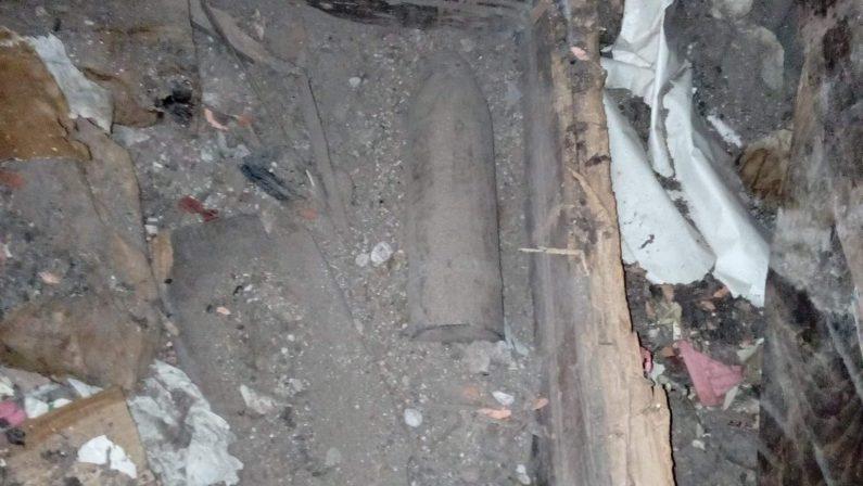 Bomba inesplosa della seconda guerra mondiale rinvenuta nel Vibonese: era sotto il pavimento di una casa