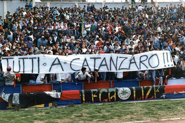 Calcio serie C: Catanzaro–Cosenza, un derby senza barriere