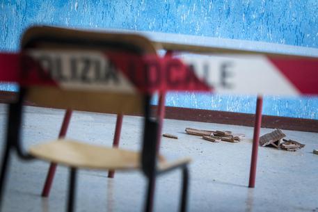 Solai pericolanti, sequestrato liceo di Avellino