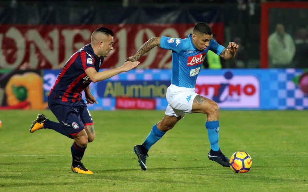 FOTO – Serie A, il Napoli espugna Crotone con un gol di Hamsik ed è campione d'inverno