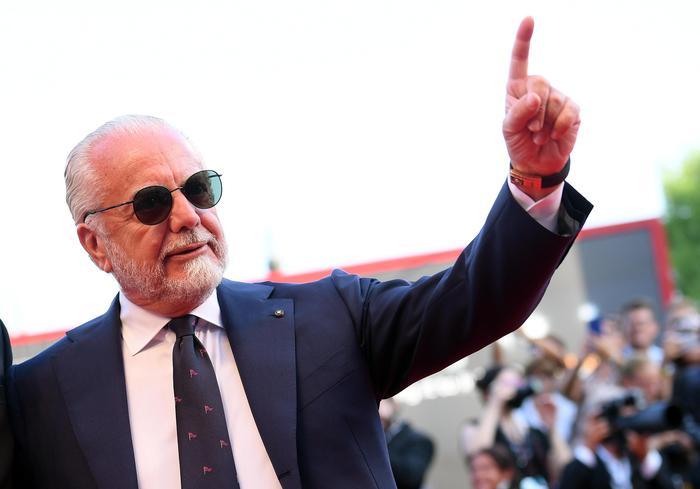 Napoli, De Laurentiis scrive ai tifosi: impegno per coronare i sogni
