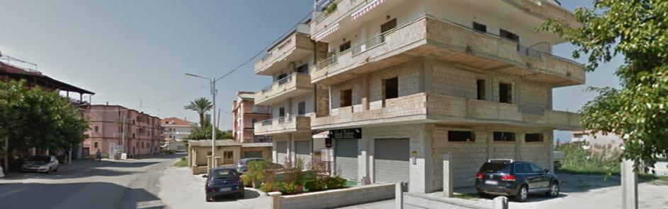 Tentano di dar fuoco ad un bar ma vengono sorpresiLa polizia mette in fuga alcuni delinquenti nel Vibonese