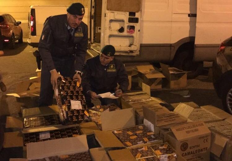 Quasi 700 chili di fuochi pirotecnici sequestrati a ReggioArrestata per detenzione abusiva di esplosivi una persona