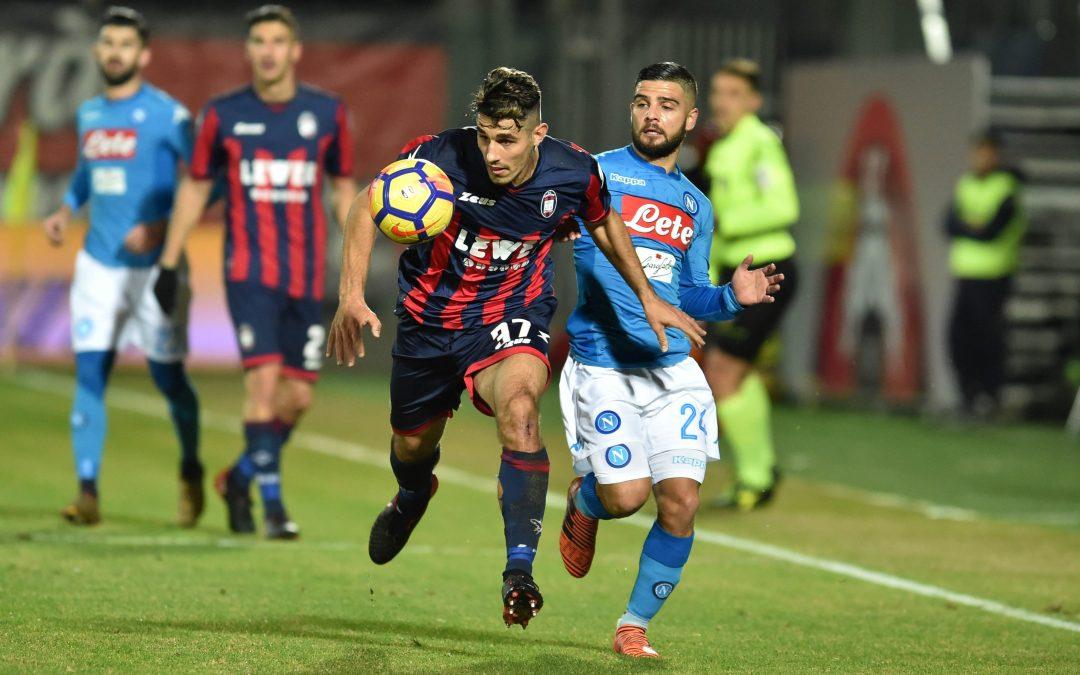 """Capitan Hamsik trascina il Napoli al titolo d'inverno: il Crotone si arrende allo """"Scida"""""""
