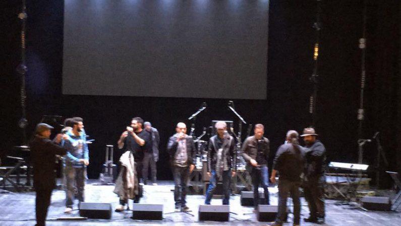 VIDEO - Al Politeama di Catanzaro il concerto dei musicisti che per anni hanno accompagnato Pino Daniele