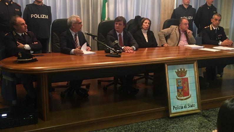 Estorsioni ad imprenditori agricoli, arrestati dalla polizia affiliati alla cosca Gallelli di Catanzaro