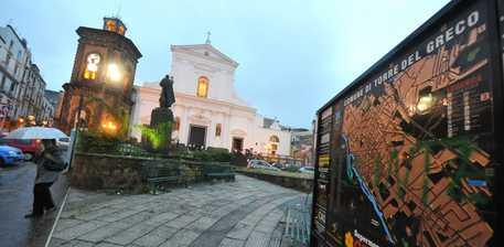 Processione Immacolata, si rischia la rissa a Torre del Greco