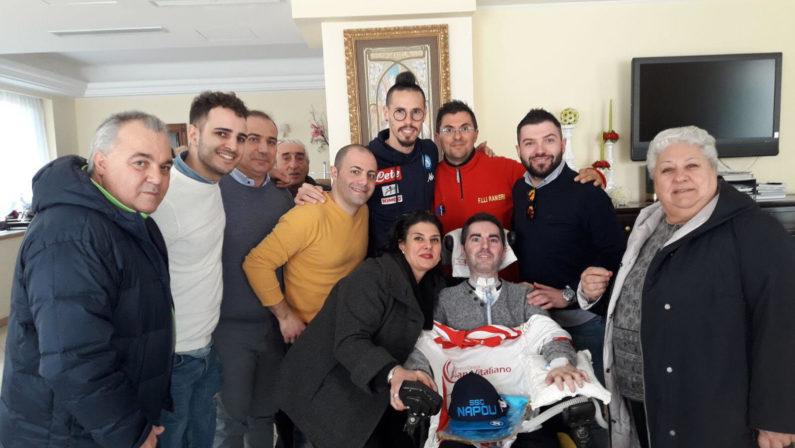 Catanzaro, un gesto di solidarietà di Hamsik e Sarri in ospedale per incontrare il giovane Simone affetto da Sla