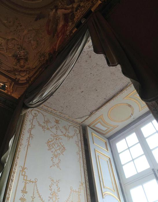 Reggia di Caserta: i Carabinieri sequestrano sei stanze storiche