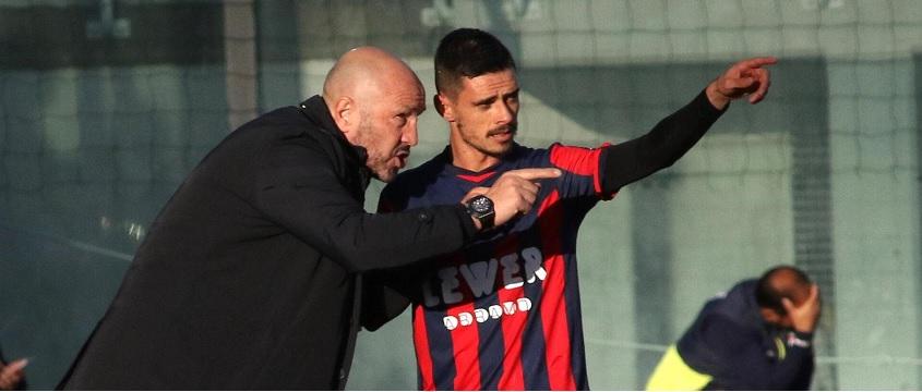 Zenga carica il Crotone: rossoblù a San Siro contro un'Inter priva di Icardi