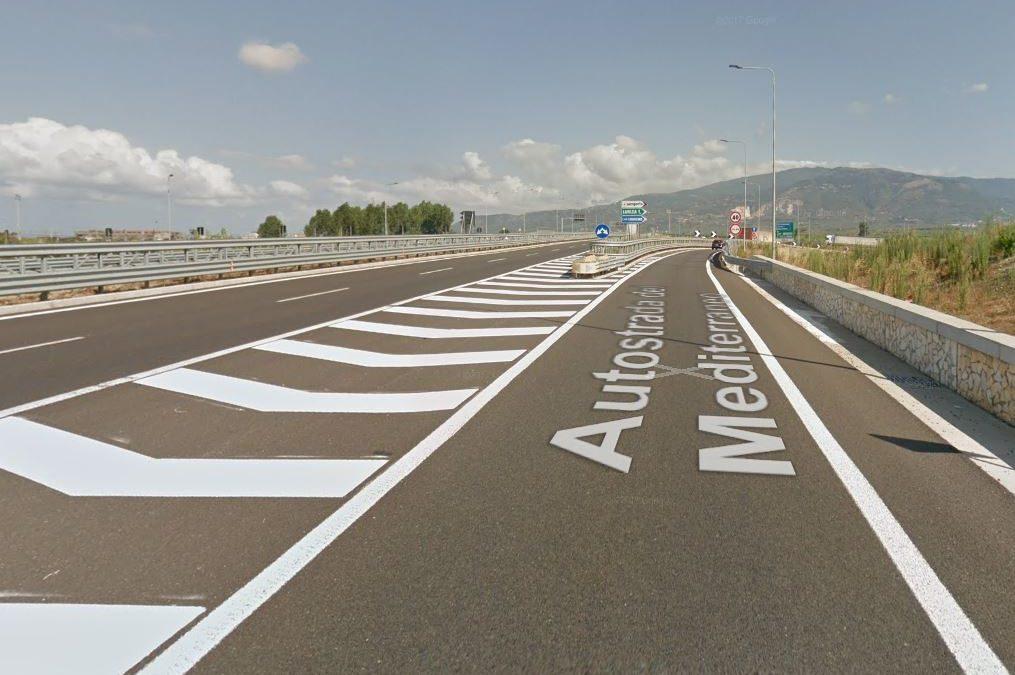 L'autostrada nei pressi dello svincolo di Lamezia Terme