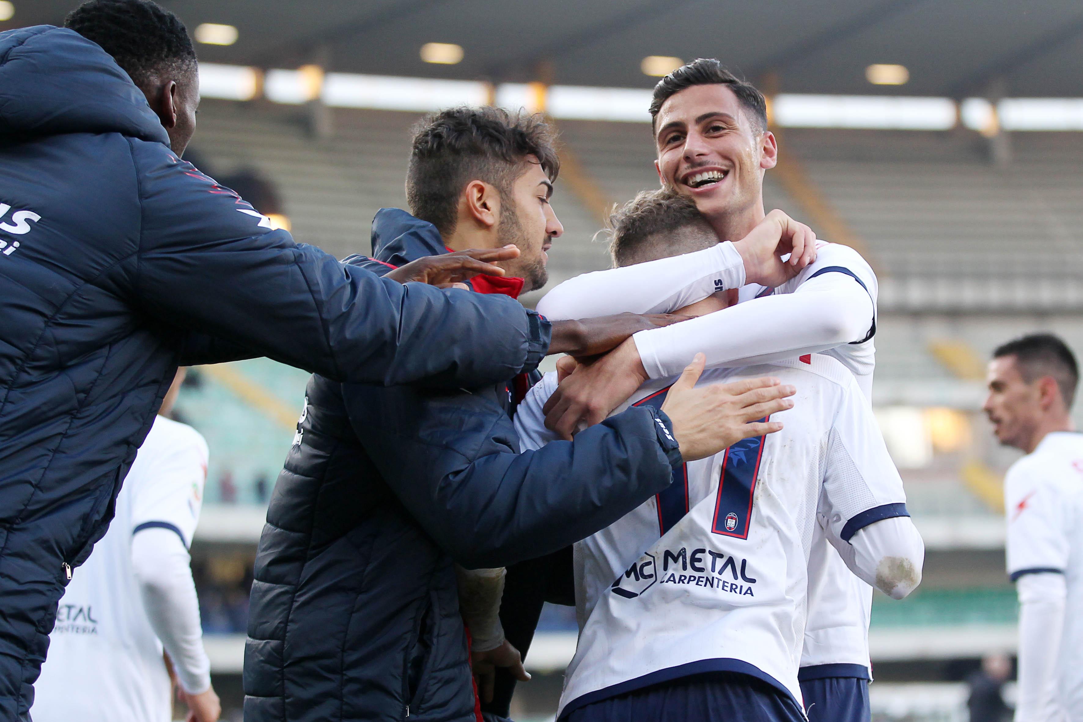 Serie A, il Crotone prepara la sfida col BeneventoAffaticamento per Stoian. Ricci:«Qui sono felice»