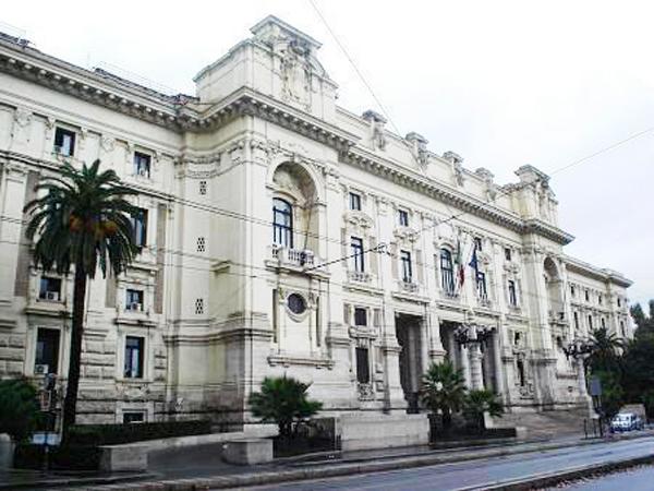 Ricerca d'eccellenza, premiati tre dipartimenti universitari in CalabriaBene Reggio e Cosenza male Catanzaro, in arrivo oltre 21 milioni di euro