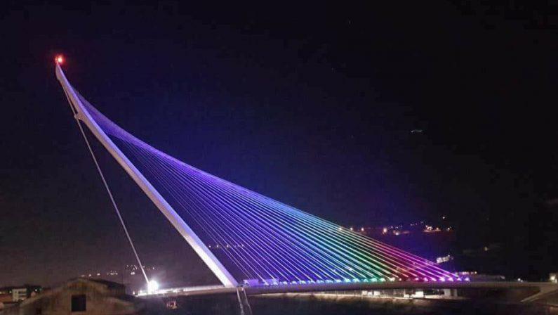 VIDEO - Inaugurazione del ponte di Calatrava a Cosenza, l'inizio dello show