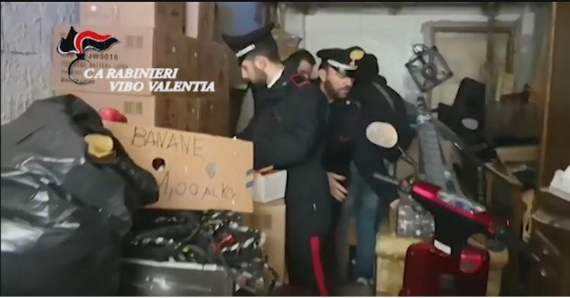 Scoperti oltre 3 quintali di fuochi pirotecnici abusiviArrestata una persona a Parghelia nel vibonese