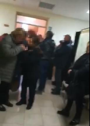 Obitorio troppo piccolo, all'ospedale di Serra San Bruno salme disposte in un corridoio