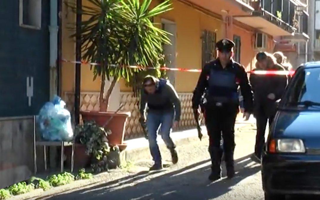 Ferisce figlio e nuora a colpi di pistola a Corigliano, fermato il nipote: è accusato di aver sparato anche lui VIDEO