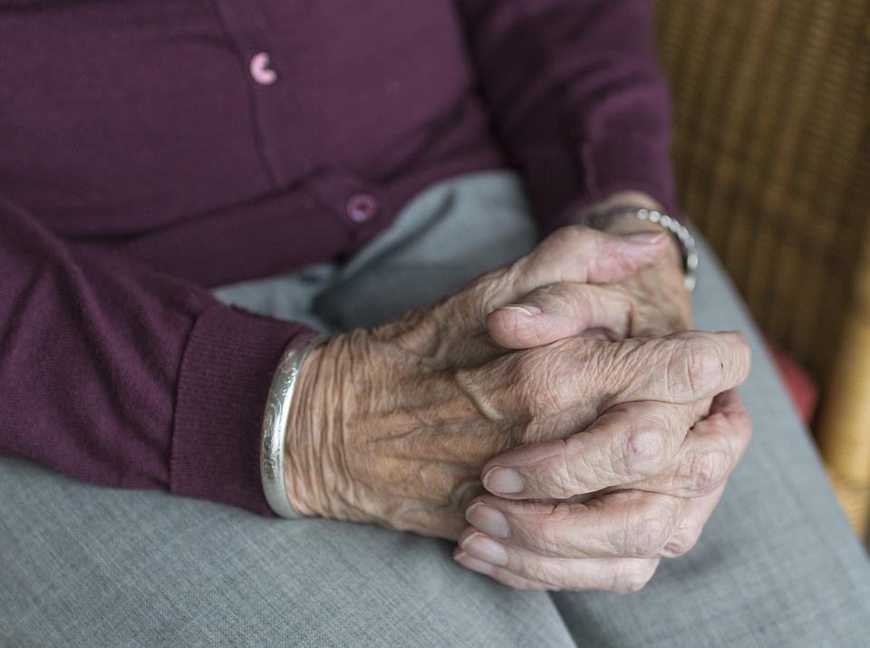 Casa di riposo per anziani senza autorizzazioneSequestrato appartamento a Reggio, 5 indagati