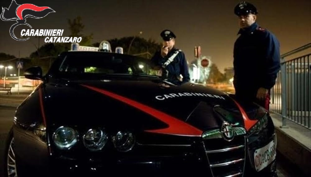 Aveva dose di cocaina e guidava l'auto senza patente Arrestato sorvegliato speciale nel Catanzarese