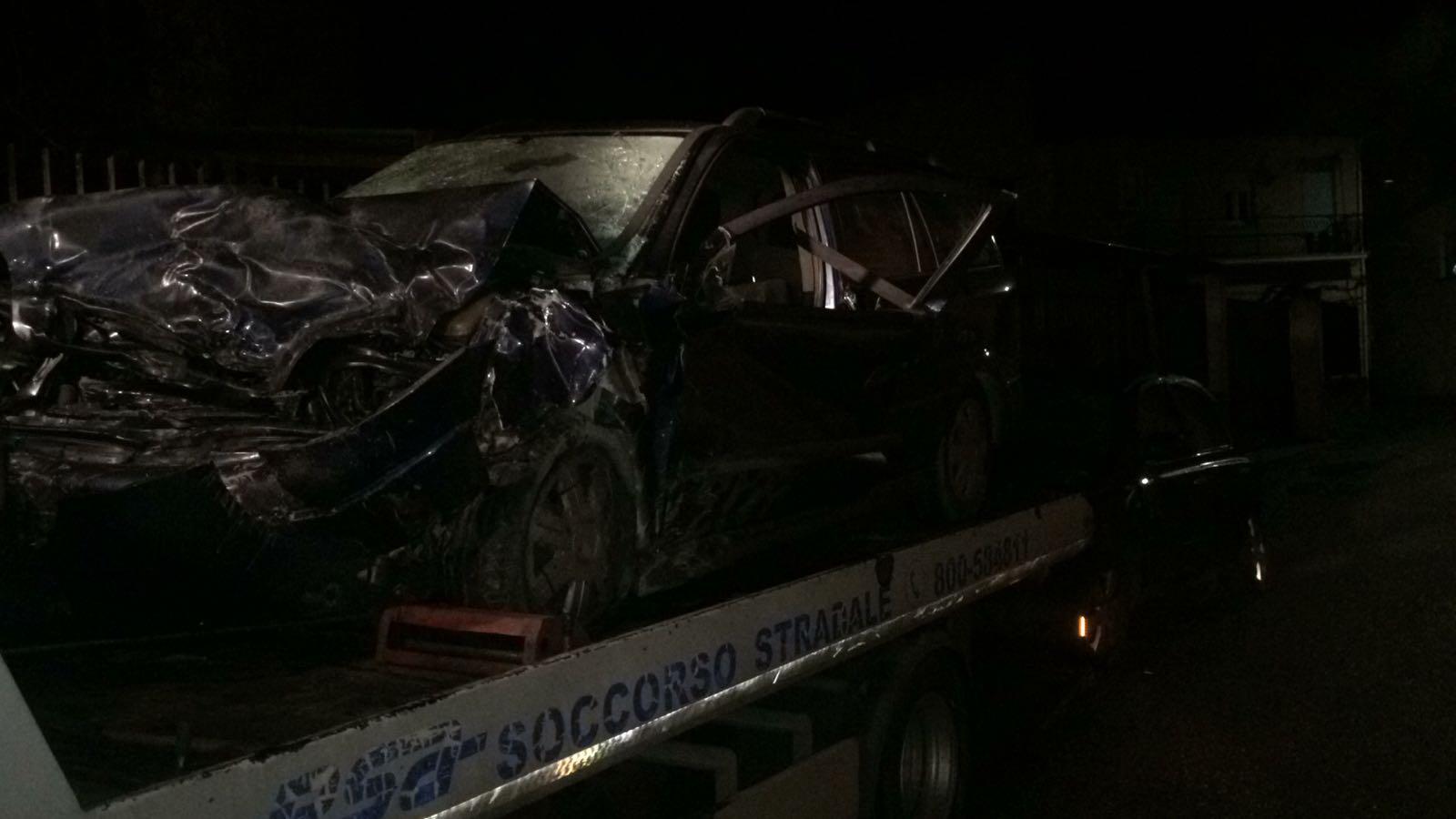 Scontro frontale nel Cosentino, morto un uomo Quattro persone sono ferite, grave una ragazza