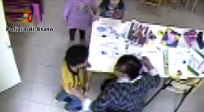 Insegnante di sostegno sospesa nel Reggino: è accusata di aver picchiato bimbo autistico
