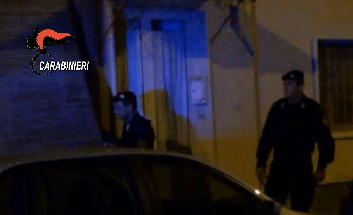 Omicidi di mafia tra le cosche del Crotonese, 5 arrestiOperazione contro la 'ndrangheta tra Calabria e Lombardia