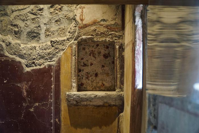 Pompei: nuovo atto vandalico negli Scavi, danni a una domus