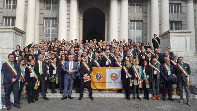Due bandiere arancioni in Calabria: il Touring Club premia Oriolo e Taverna