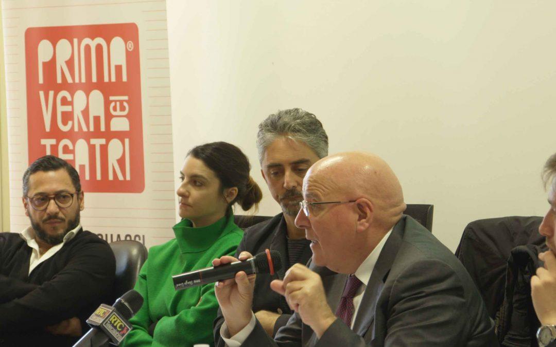 L'intervento di Oliverio durante la conferenza stampa