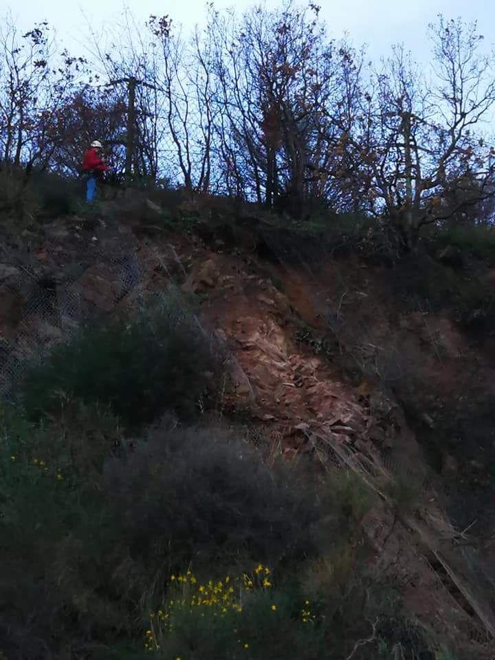 Frana sulla Strada statale Silana-Crotonese nei pressi di PaolaTraffico deviato su vie alternative in entrambe le direzioni