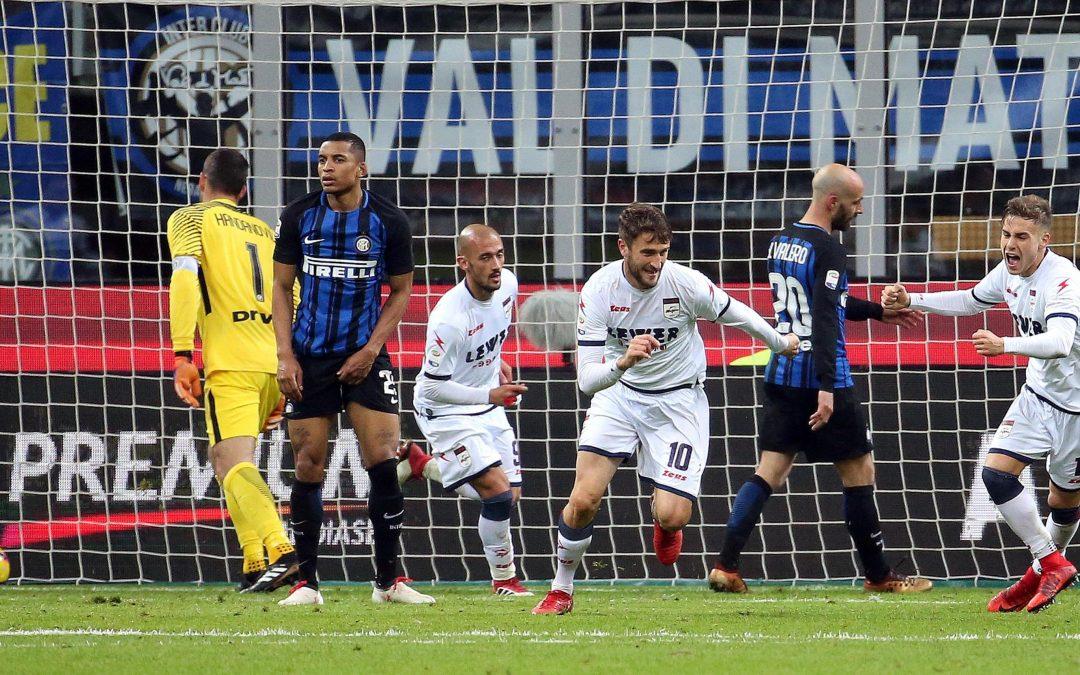 FOTO – Il Crotone pareggia a San Siro contro l'Inter, le immagini della partita
