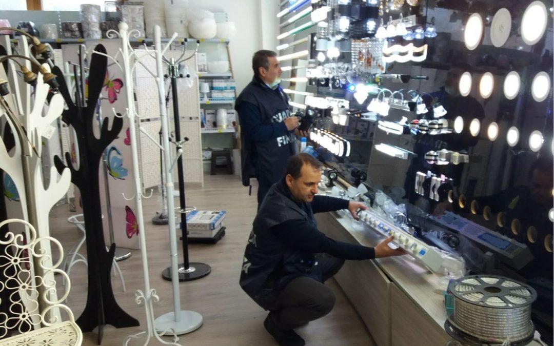 Maxi sequestro di prodotti pericolosi a Paola  Bloccati oltre 246 mila giocattoli e beni elettrici
