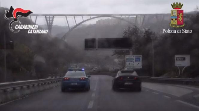 L'operazione congiunta di polizia e carabinieri
