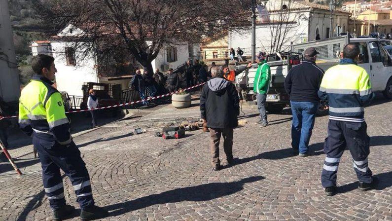 Frana nel centro storico, allarme nel CosentinoLesione ad una casa, minacciato il castello di Oriolo