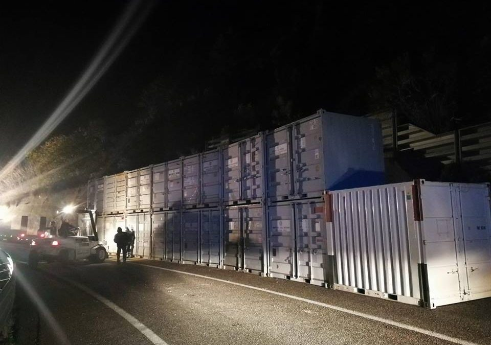 I container posizionati a Paola