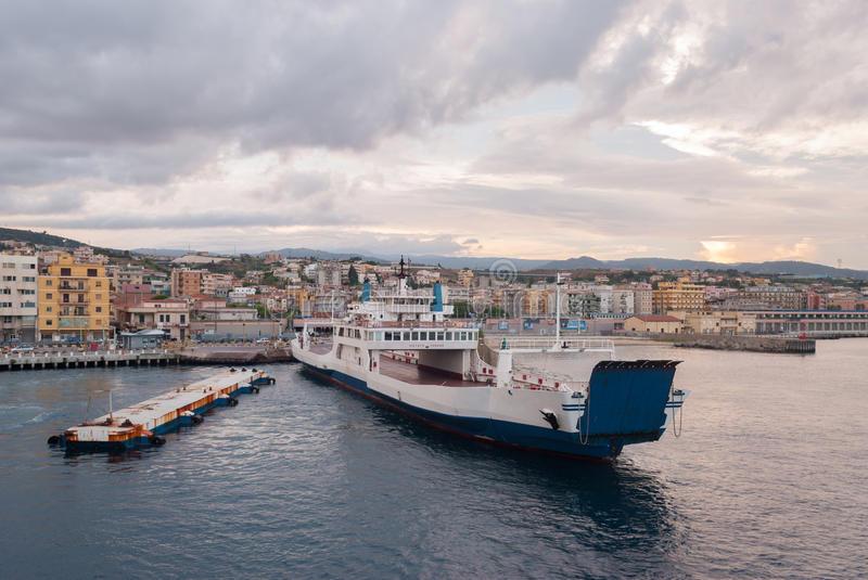 Calabrese diretto in Sicilia con 120 grammi di cocaina  Arrestato a Villa San Giovanni dopo un controllo