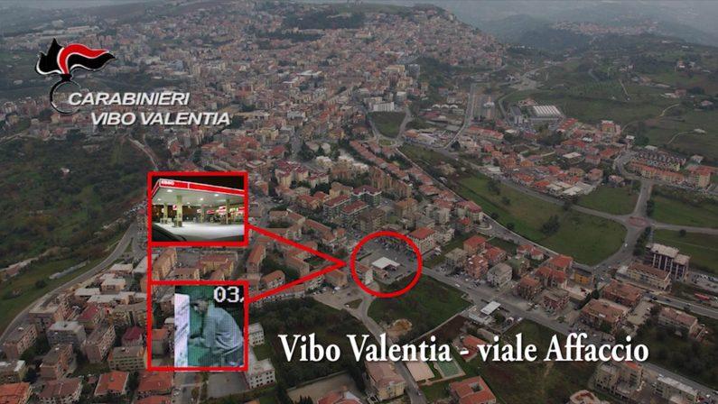 VIDEO - Ripreso dalle telecamere a svaligiare i distributori automatici di Vibo Valentia, arrestato a Bologna
