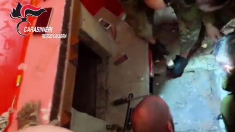 VIDEO - Scoperti 3 bunker in provincia di Reggio CalabriaLe immagini dei rilievi sul posto dei carabinieri