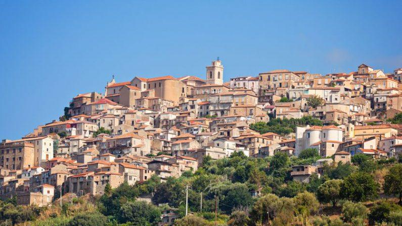 Coronavirus in Calabria, torna positivo dopo 8 mesi e oggi racconta la sua esperienza