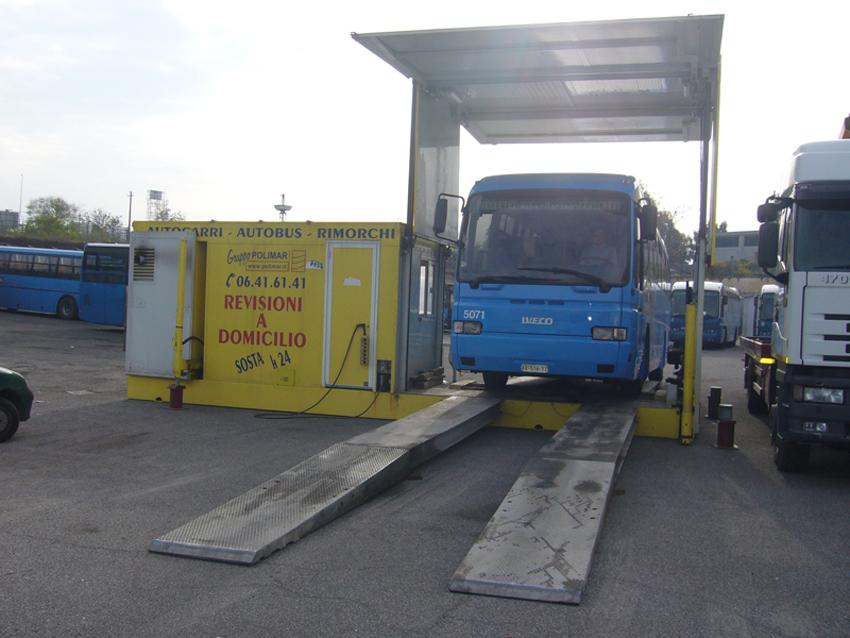 Un autobus su 4 non è in regola con la revisione  La Calabria seconda peggior regione d'Italia  A Vibo sono irregolari ben il 40% dei mezzi